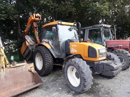 Vente d'un tracteur Renault de type Ergos 100 d'occasion